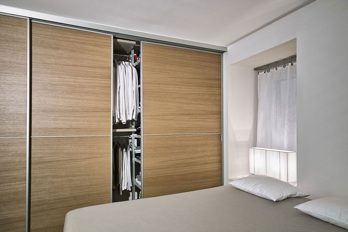 Bespoke and fitted wardrobe doors for your bedrooms.